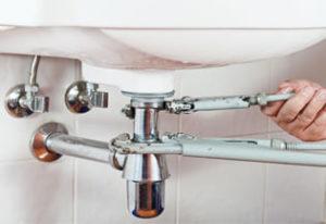 Монтаж труб системы водоснабжения: пластиковые трубы, полиэтиленовые, полипропиленовые трубы, трубы рехау, недорого, цена низкая, гарантия на работы
